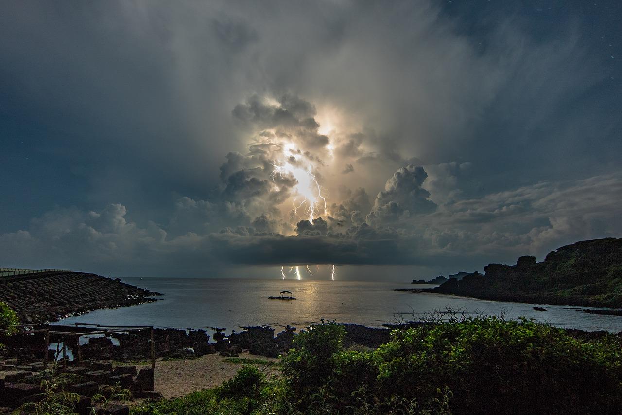 Lightning Storm Ocean Approaching